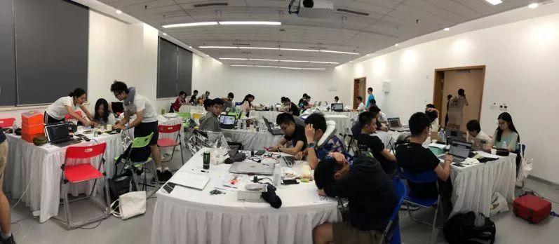 热烈祝贺包校大禹队荣获 THE Hack-hack.init() 全场第一名!